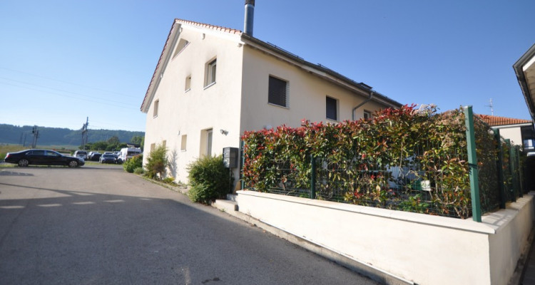 Joli duplex 3.5 p dans villa mitoyenne image 1