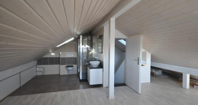 Joli duplex 3.5 p dans villa mitoyenne image 9