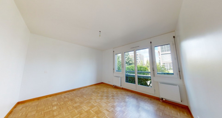 FOR RENT IN UN AREA 4 bdr apartment  in a high standing residence image 7
