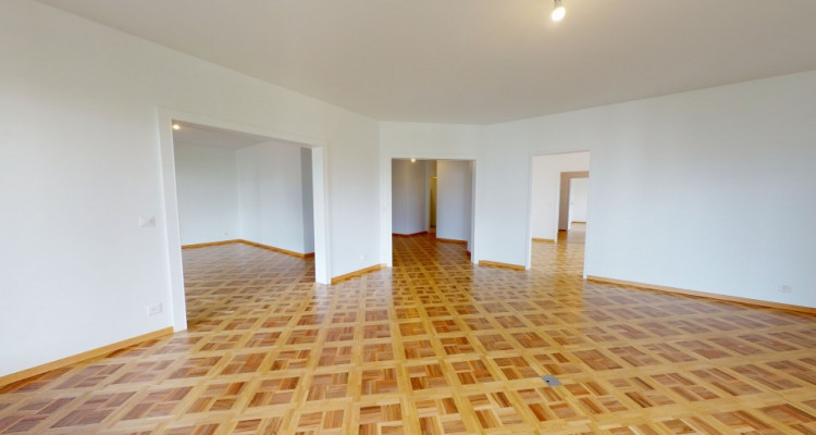 FOR RENT IN UN AREA 4 bdr apartment  in a high standing residence image 12