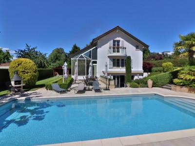 Superbe maison individuelle avec piscine - 5 chambres image 1