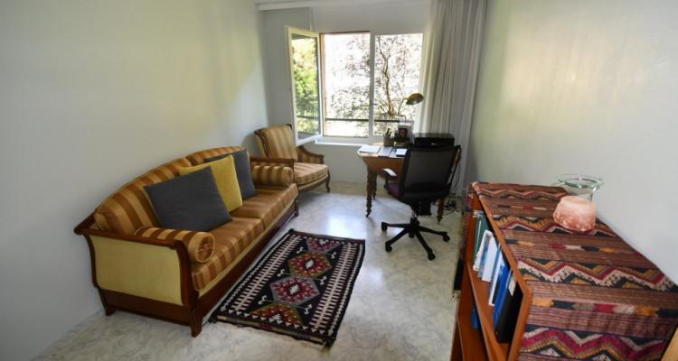 Bel appartement lumineux de 3.5 pièces avec balcon dans quartier tranquille. image 10