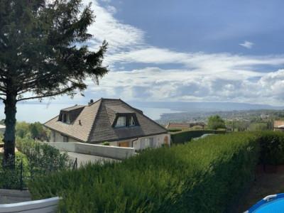 Magnifique villa de 4.5 pièces avec vue sur le lac image 1