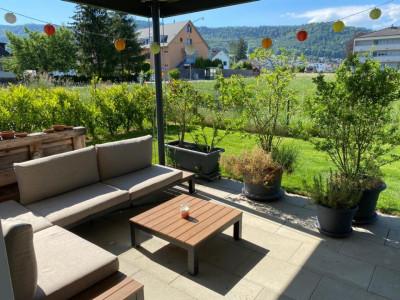 Zweitbezug Erdgeschosswohnung mit tollem Garten und Bach image 1