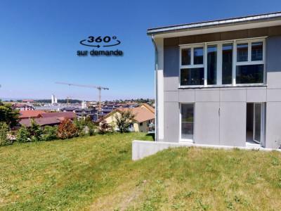 Spacieuse et lumineuse villa de 137m2 avec jardin !  image 1