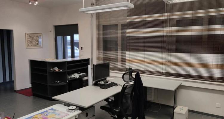 FRIBOURG - Surfaces artisanales avec bureaux et grands dépôts image 3