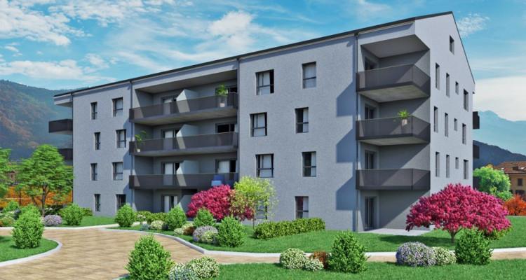 FOTI IMMO - Appartement de 4,5 pièces avec balcons. image 1