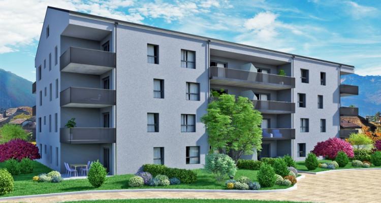 FOTI IMMO - Bel appartement de 2,5 pièces en attique avec balcon. image 1