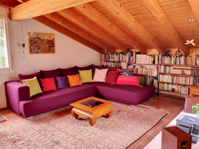 Charmant appartement 3,5 pièces attique à Savigny image 1