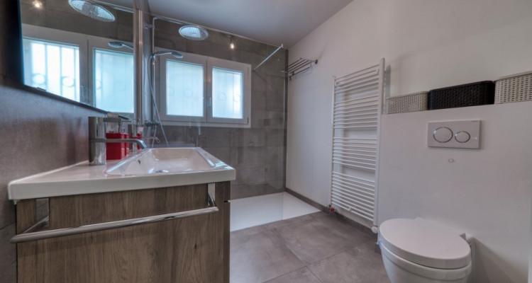 Belle villa moderne de plein-pied à Mies image 9