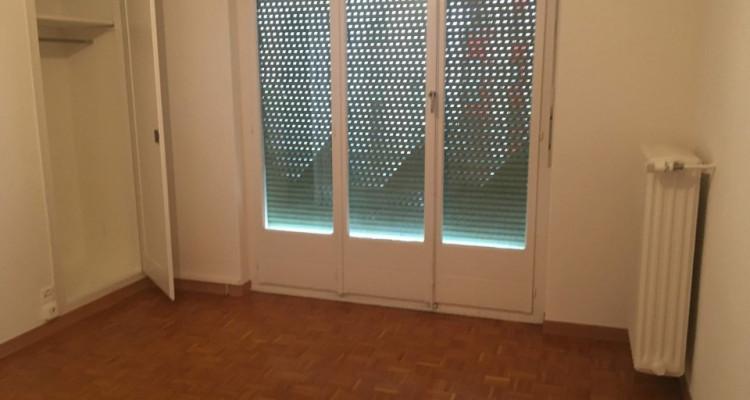 Joli studio lumineux situé à Plainpalais.  image 4