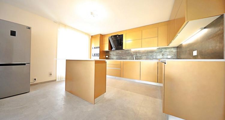 Magnifique appart 4,5 p / 3 chambres / 2 SDB / balcon vue lac image 2