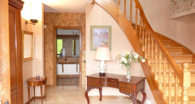 A Mézières, proche de Romont, charmante maison au style unique. image 8