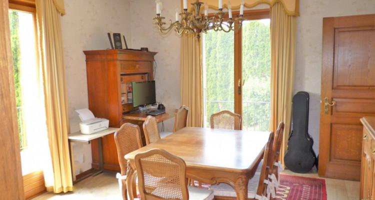 A Mézières, proche de Romont, charmante maison au style unique. image 9