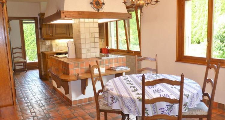 A Mézières, proche de Romont, charmante maison au style unique. image 11
