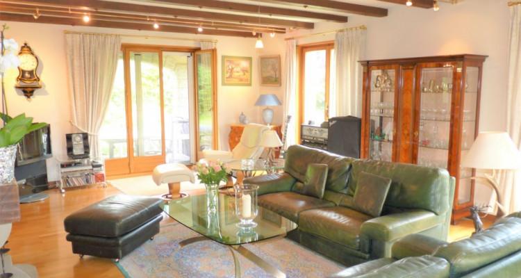 A Mézières, proche de Romont, charmante maison au style unique. image 13