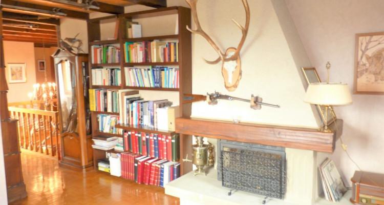 A Mézières, proche de Romont, charmante maison au style unique. image 16