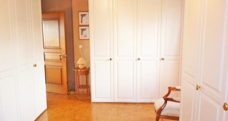 A Mézières, proche de Romont, charmante maison au style unique. image 19