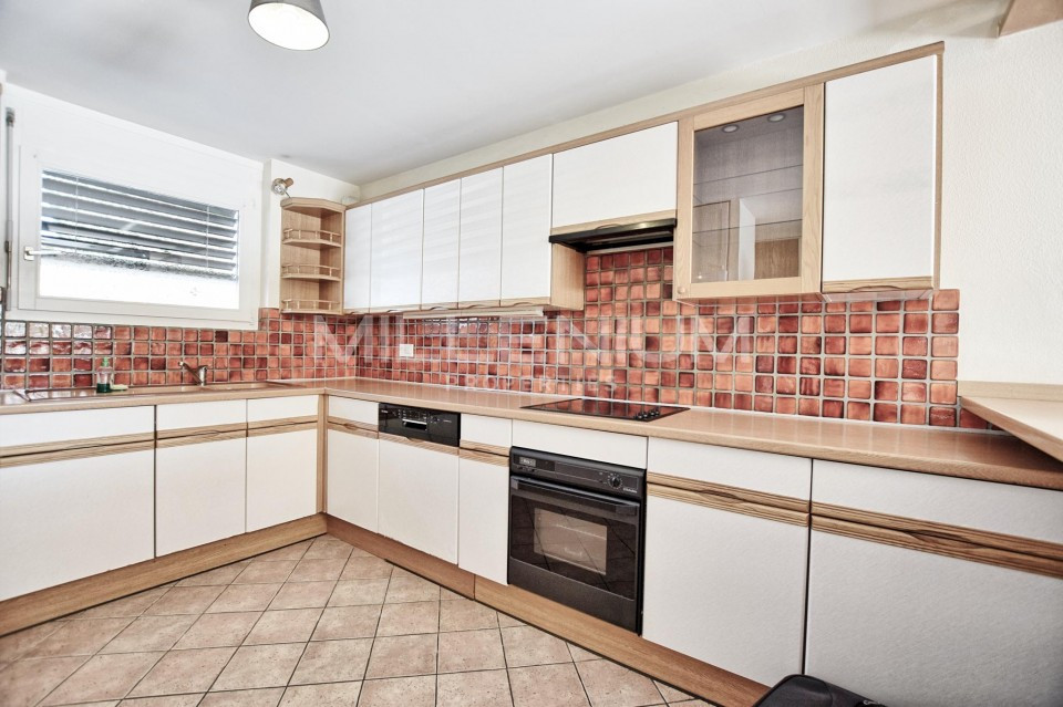Maison Familiale Avec Appartement Independant 7 Pieces 170 M2 A Veyrier