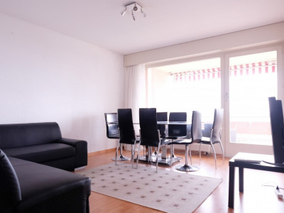 Magnifique 5,5p meublé // 4 chambres // 2 SDB // Balcon - calme image 1