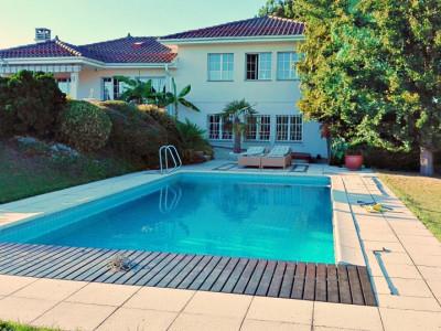 Magnifique maison / Belle parcelle / Piscine / Vue lac  image 1
