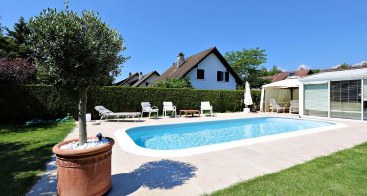 Splendide villa mitoyenne / 4 chambres / 3 SDB / Jardin / Piscine image 1