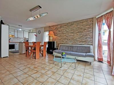 FOTI IMMO - Charmant appartement de 4,5 pièces avec 3 balcons. image 1