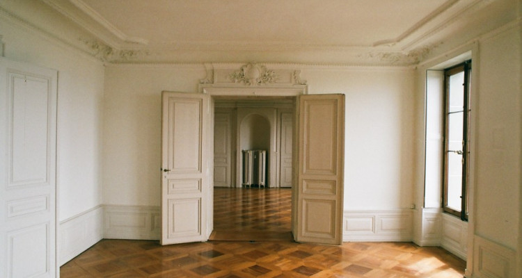 Appartement de 7pces au 3e Rue du Midi 1 à Lausanne image 2