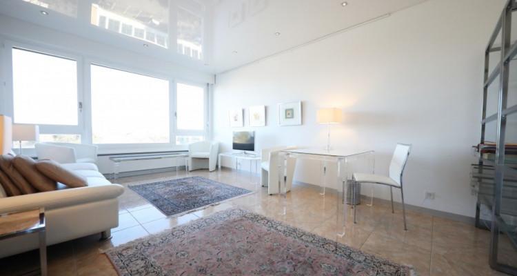 Splendide 3 pièces meublé avec balcon - 1 chambre - 1SDB image 3