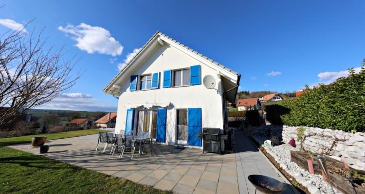 Visite 3D maison de 7 pièces /  5 chambres / 3 SDB / avec jardin. image 2