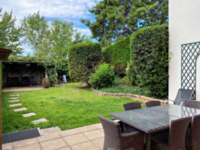 Splendide 3,5 P avec terrasse/jardin -Piscine intérieure-Garage double image 1