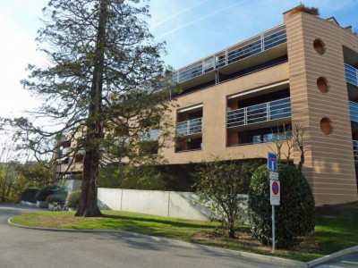 Proche de la gare - bel appartement semi-meublé avec 2 balcons image 1