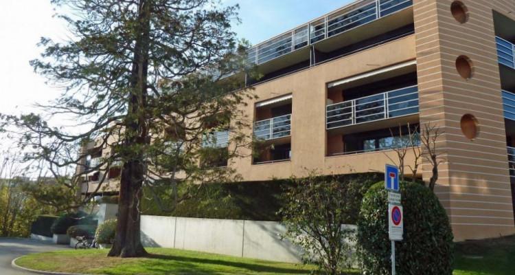 Proche de la gare - appartement semi-meublé avec 2 balcons image 1