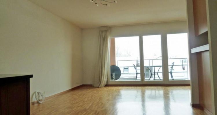 Proche de la gare - appartement semi-meublé avec 2 balcons image 2