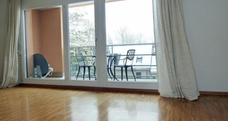 Proche de la gare - appartement semi-meublé avec 2 balcons image 3