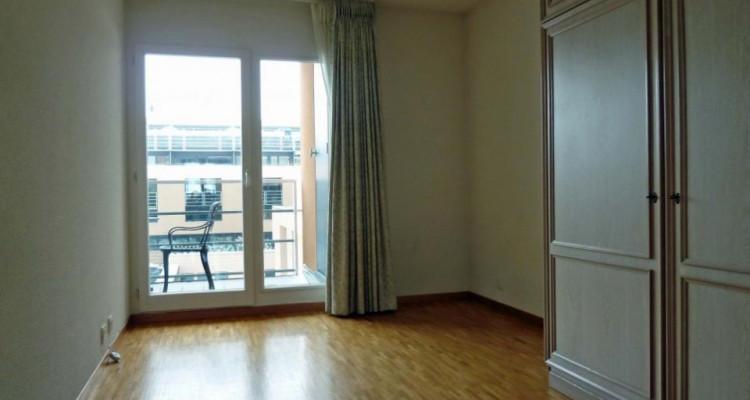 Proche de la gare - appartement semi-meublé avec 2 balcons image 11