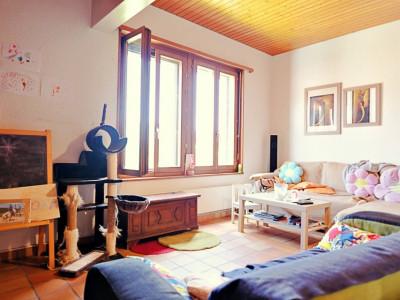 Magnifique appart 4,5 p / 3 chambres / 2 SDB / plein centre village image 1