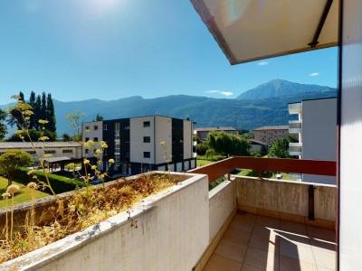 Appartement au calme avec vue sur les montagnes image 1