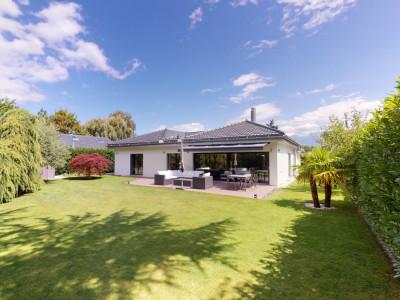 Superbe villa avec matériaux de qualité et finitions de standing image 1