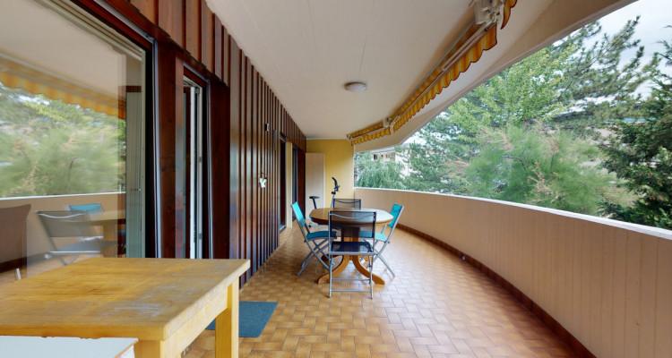 Appartement de 4.5 pièces avec grand balcon image 3