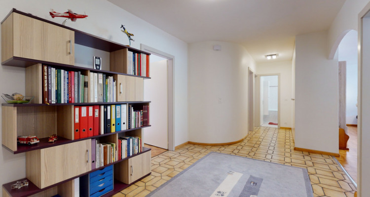 Appartement de 4.5 pièces avec grand balcon image 8