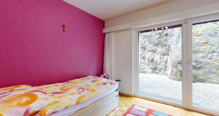 Appartement de 4.5 pièces avec grand balcon image 9