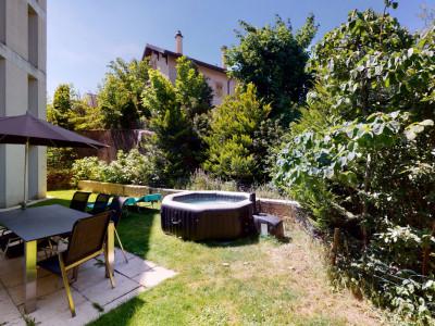 Magnifique appartement avec terrasse couverte et jardin privatif ! image 1