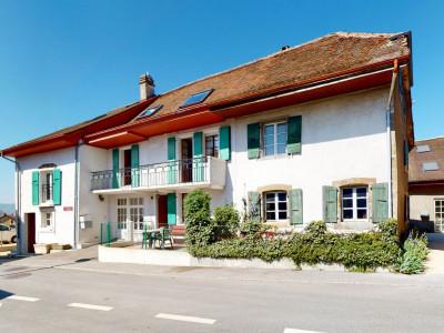 En exclusivité: Charmante maison de 2 appartements au coeur du village image 1