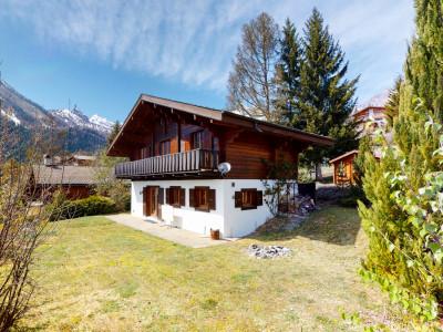Superbe chalet au calme avec terrasse et vue image 1