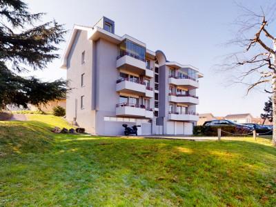 Duplex en combles - Grandes chambres et balcon abrité image 1