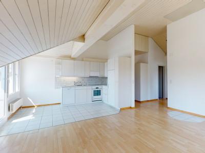 Gemütliche und gepflegte 4.5 Zimmer Dachwohnung image 1