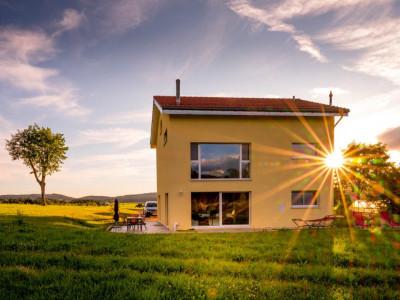 Loin du stress ambient, pour couple à la retraite ou famille nombreuse cette maison est pour vous ! image 1
