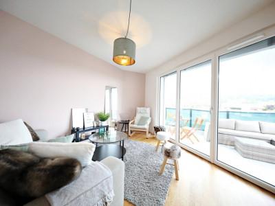 Magnifique appart 4 p / 3 chambres / 1 SDB / balcon avec vue lac image 1
