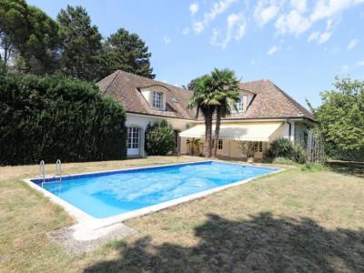 Belle propriété 7.5P avec piscine à Satigny image 1